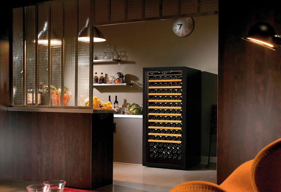 Cave à vin professionnelle à domicile | DeBeauvilliers Grandes Cuisines -1